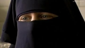 Dutch woman converted to Islam