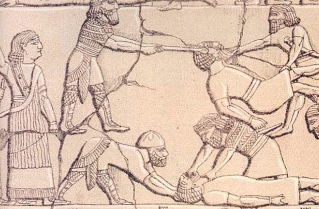 Ancient history timeline - Assyrian Army torturing their enemies
